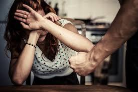 Femminicidio, la piaga sociale: uccise perché donne