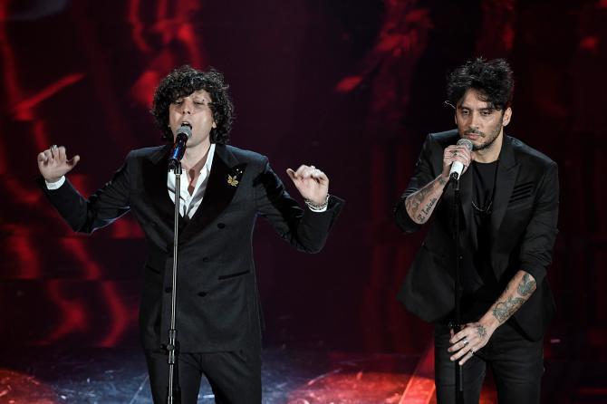Sanremo 2018, presunto plagio: sospesi a sorpresa dalla competizione Ermal Meta e Fabrizio Moro