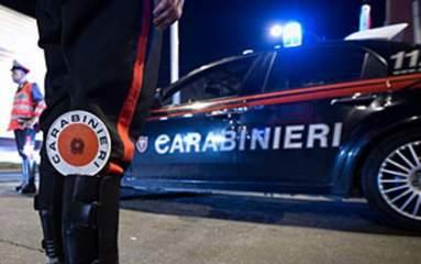 Avenza (Massa-Carrara), carabiniere investito da un rapinatore in fuga