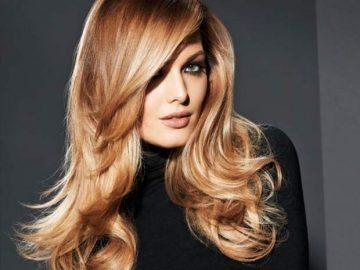 Cosa usare per far durare più a lungo la piega dei capelli