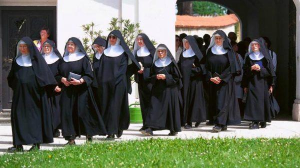 Italia, il ruolo delle suore all'interno della Chiesa