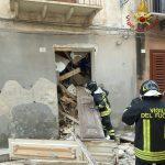 Marsala, palazzo disabitato crolla