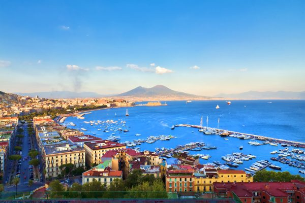 Napoli, crisi finanziaria incline al dissesto economico
