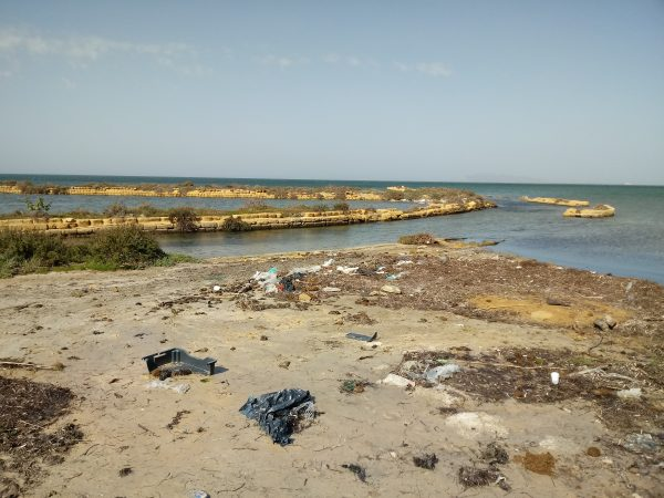 Marsala, il degrado della spiaggia del Principino