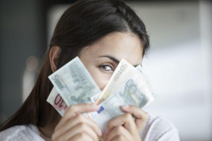 Si può vivere di rendita con 5000 euro al mese?