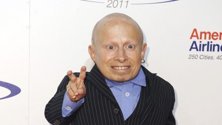 È morto Verne Troyer, l'attore di Mini Me di Austin Powers