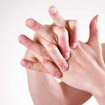 Artrite: 9 rimedi per combattere il dolore