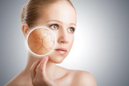 Come idratare e trattare la pelle secca