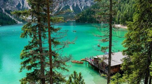 Lago di Braies: bellezza delle dolomiti