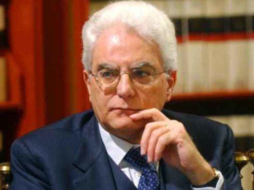 """Mattarella """"il Premier non basta"""""""