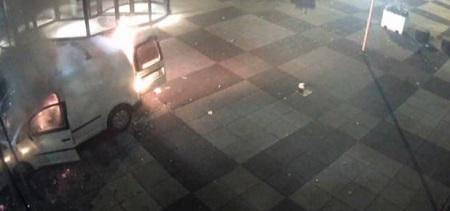 Olanda: furgone contro la sede del giornale De Telegraaf