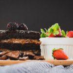 Ricetta torta proteica al cioccolato e burro d'arachidi