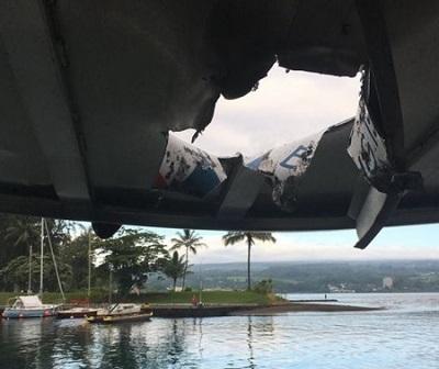 Hawaii: lava del vulcano Kilauea colpisce una barca di turisti