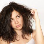 Capelli secchi: come trattarli con i rimedi casalinghi