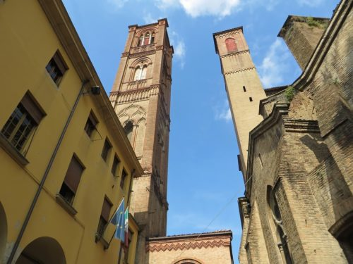 Bologna: storia di una città ribelle e contemporanea