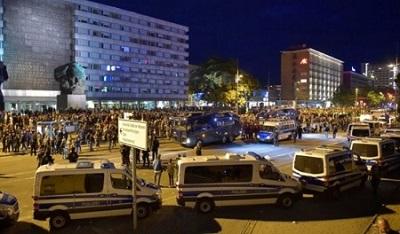Germania: manifestazioni e caccia ai migranti a Chemnitz