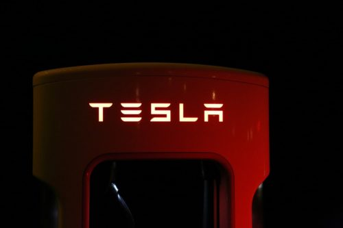 Elon Musk: Tesla forse fuori da Wall Street