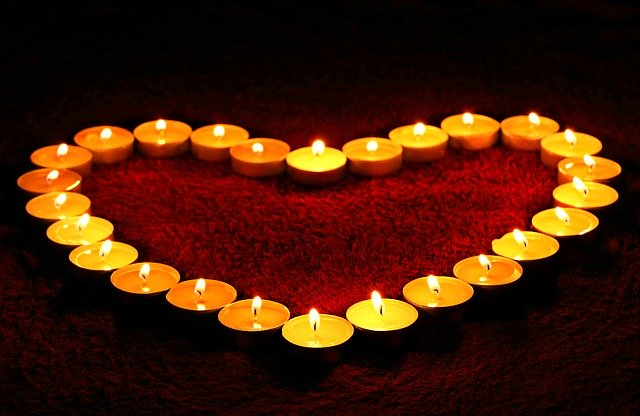 Candele romantiche: tipologie e prezzi delle più belle