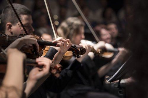 """Arriva """"Il concerto ritrovato"""": nei cinema il docufilm su De Andrè e la PFM"""