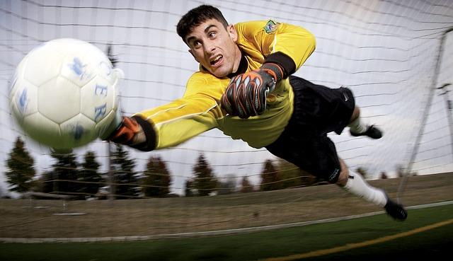 Calcio: quando tornano i campionati in Europa?
