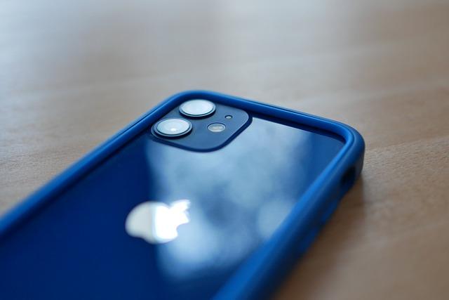 Smartphone piccole dimensioni: quanto costano? Quali sono i modelli migliori tra cui scegliere?